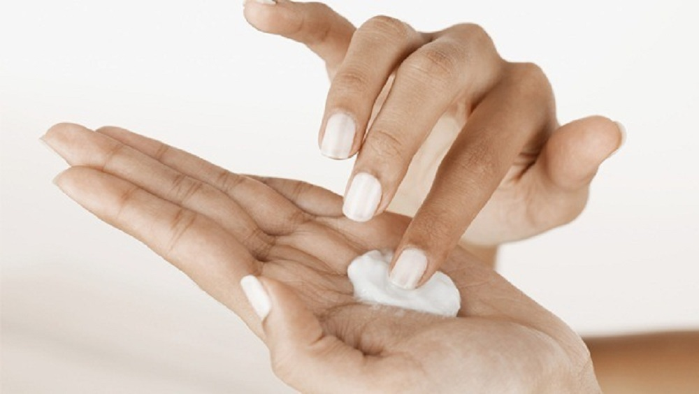 how to do your manicure at home