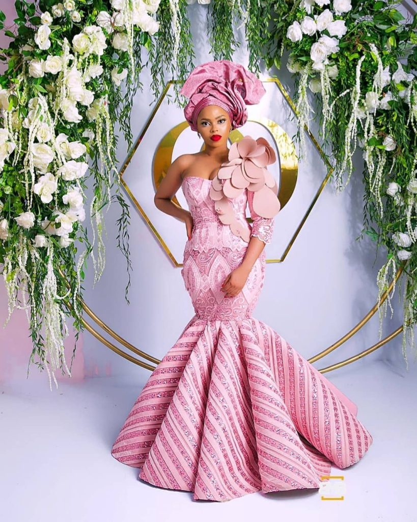 latest-aso-ebi-styles-2019-wedding