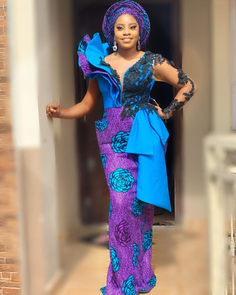latest-2019-aso-ebi-styles-we-love-sleeves