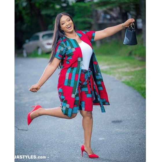 25 Ankara Designs For Women -African Dresses Styles: Trousers, Kimono, Jumpsuits and Tops ankara designs for women - 25 Ankara Designs For Women African Dresses Styles Trousers Kimono Jumpsuits and Tops 2 - 25 Ankara Designs For Women -African Dresses Styles: Trousers, Kimono, Jumpsuits and Tops