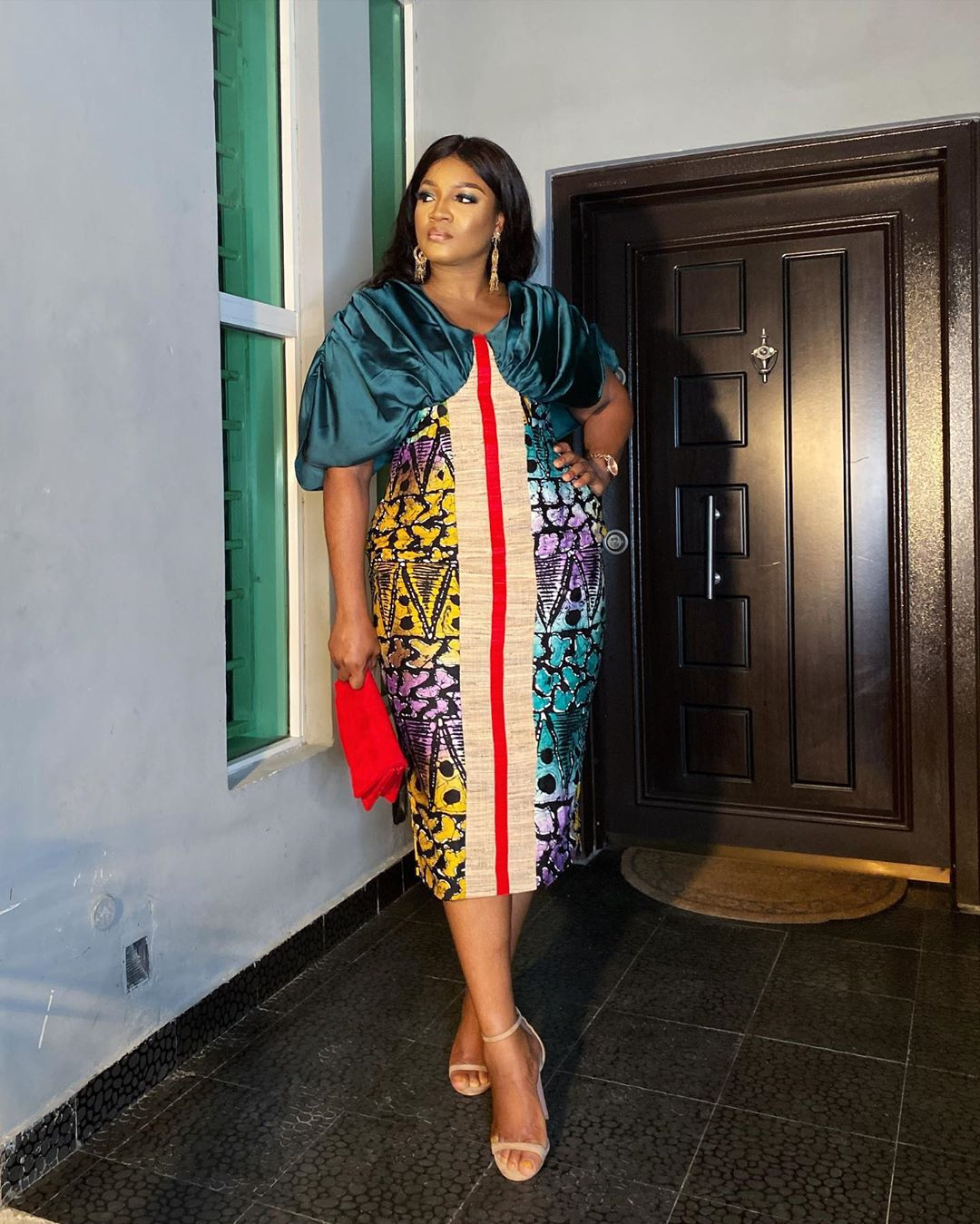nollywood-actress-omotola-in-adire-dress-latest-nigerian-fashion-news