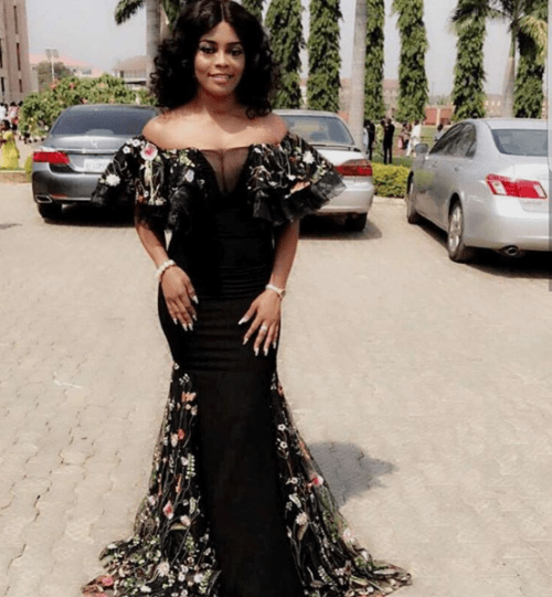 black lace asoebi styles - BLACK ASOEBI 8 e1540550723767 - 15 Black Lace Asoebi Styles To Make You Look Fabulous This Weekend