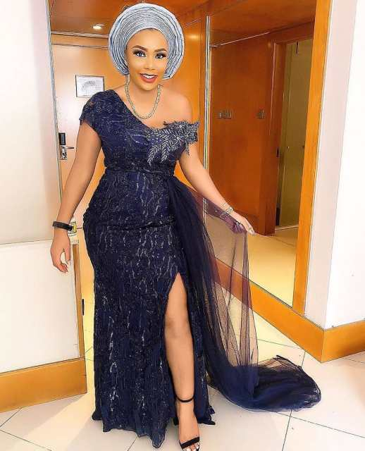 Black Lace Asoebi Styles  black lace asoebi styles - Black Lace Asoebi Styles 3 518x640 - 15 Black Lace Asoebi Styles To Make You Look Fabulous This Weekend