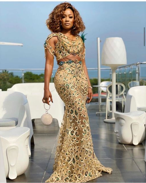 Gold Lace AsoEbi Dresses gold lace asoebi styles - 90091634 207692677134834 8677996540974611955 n 512x640 - These 25 Gold Lace AsoEbi Dresses Are Nothing But Stunning and Gorgeous