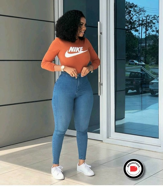 Classy and Casual Work Outfits For Hitting the Office in Style work outfits - Classy and Casual Work Outfits For Hitting the Office in Style 16 560x640 - 45 Classy and Casual Work Outfits For Hitting the Office in Style