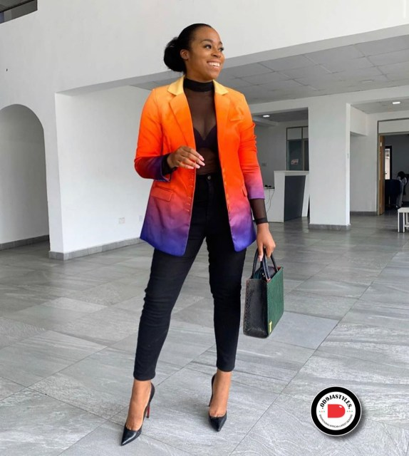 Classy and Casual Work Outfits For Hitting the Office in Style work outfits - Classy and Casual Work Outfits For Hitting the Office in Style 26 574x640 - 45 Classy and Casual Work Outfits For Hitting the Office in Style