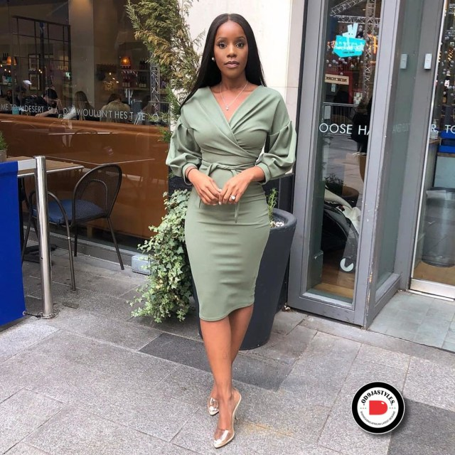 Classy and Casual Work Outfits For Hitting the Office in Style work outfits - Classy and Casual Work Outfits For Hitting the Office in Style 3 640x640 - 45 Classy and Casual Work Outfits For Hitting the Office in Style