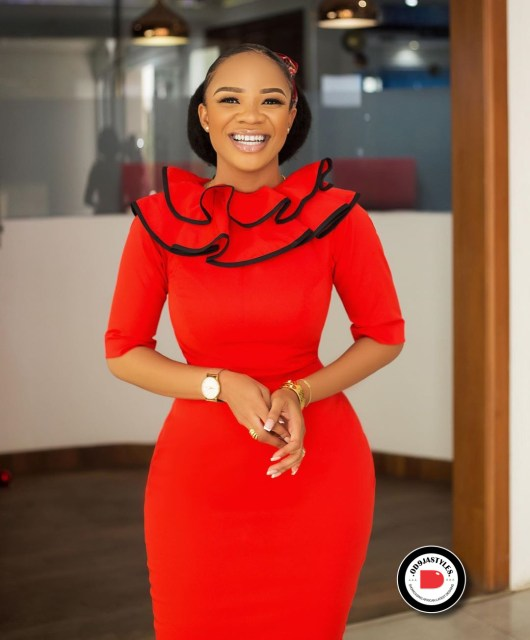 Classy and Casual Work Outfits For Hitting the Office in Style work outfits - Classy and Casual Work Outfits For Hitting the Office in Style 5 530x640 - 45 Classy and Casual Work Outfits For Hitting the Office in Style
