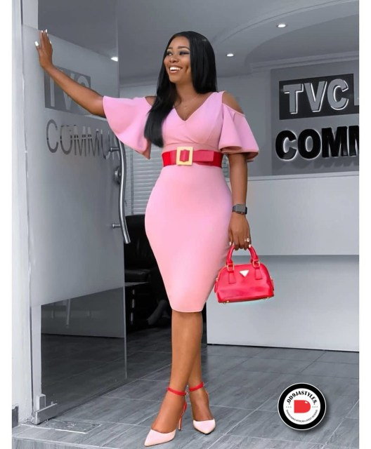 Classy and Casual Work Outfits For Hitting the Office in Style work outfits - Classy and Casual Work Outfits For Hitting the Office in Style 6 528x640 - 45 Classy and Casual Work Outfits For Hitting the Office in Style