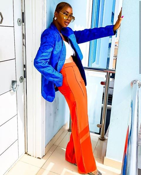 lady rocking blue and orange color outfit