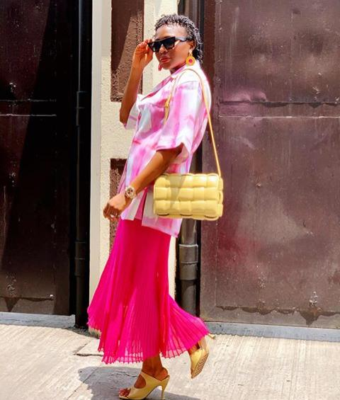 lady in light shirt and pink skirt - How to Mix and Match Colours in Your Outfits