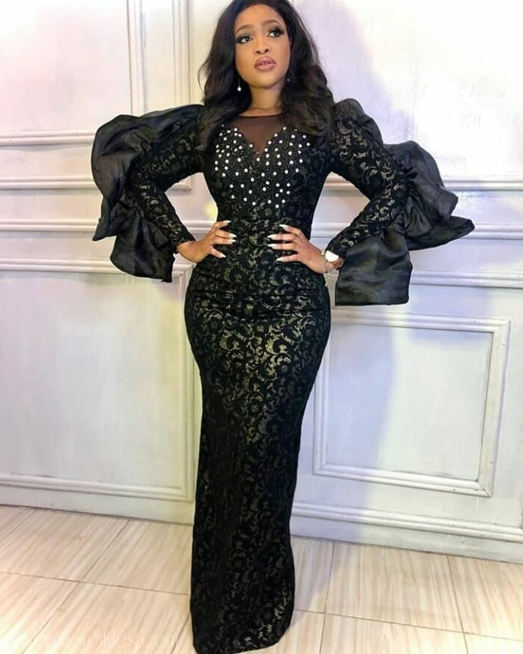 Asoebi Style Trends: Would You Rock The Wavy Sleeves?