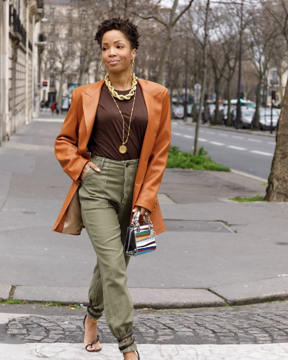 khaki trousers strappy heels with jeans stylerave