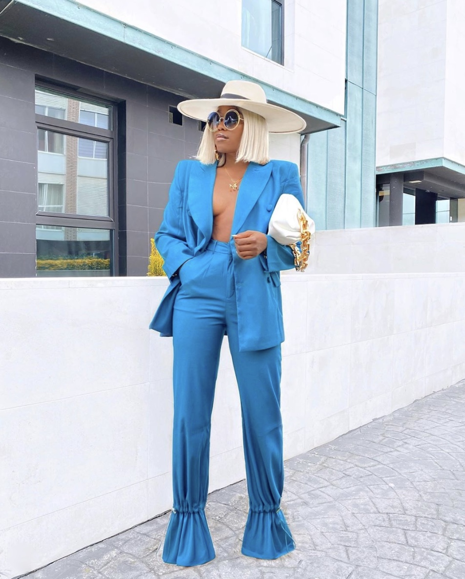 Marii Pazz turquoise blazer outfit stylerave