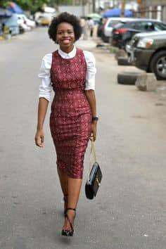 lady wearing sleeveless ankara midi dress