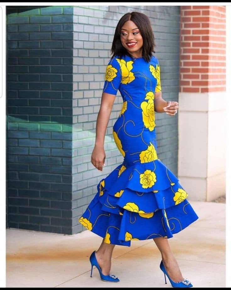 lady wearing ankara long dress