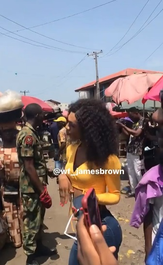 """""""They should be arrested"""" - Reactions as soldiers escort James Brown to market (Video)"""