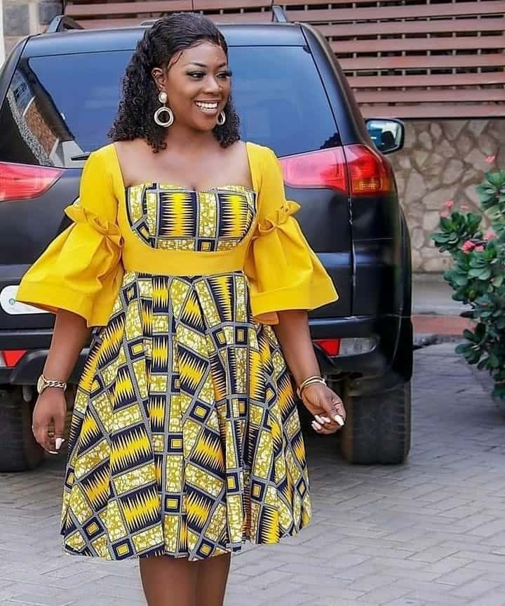 IMAGES Blazing African Outfits.Stylish Attires For All Events.
