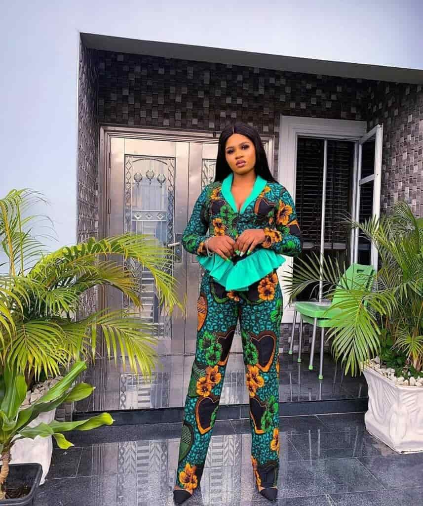 IMAGES: Crazy And Hot African Fashion Office Outfits/Wears